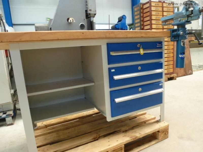 gebrauchte werkbank mit schraubstock industriewerkzeuge ausr stung. Black Bedroom Furniture Sets. Home Design Ideas