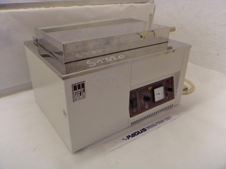 GFL laboratory water bath With lid and analog display External dimensions (WxDxH): 500 x 440 x 325 mm Internal dimensions (WxDxH